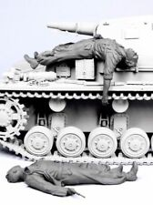 █ 1/35 Resin WWII German Injured Tankers 2 Figures BL137