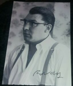 RONNIE KRAY SIGNED PICTURE - KRAYS - GANGSTER - CRIME - FREE UK POST.