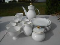 Kaiser White Porcelain 23 Piece Tea Coffee Set MINT Mid Century Circles Squares
