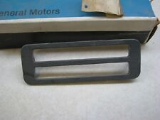 NEW NOS GENUINE GM QUARTER SIDE MARKER LAMP LENS BEZEL 82-84 OLDS OMEGA 20087194