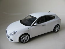 1/43 Minichamps Alfa Romeo Giulietta (2010) diecast