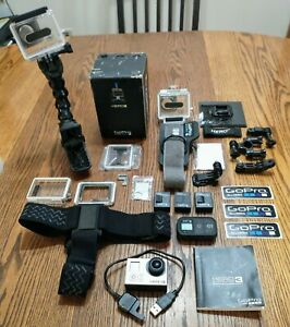 HERO3 BLACK EDITION GOPRO CAMERA, 3 BATTERIES, ORIGINAL BOX AND MANY ACCESSORIES