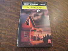 Le livre de poche Un cri dans la nuit - Mary Higgins Clark