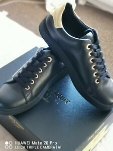 Juicy Couture black&gold Carlie trainers size 6 brand new