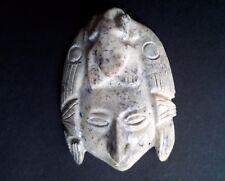 statuette sculpture originale figure visage sculptée pierre à déterminer  .D11