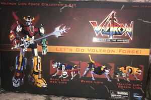 Toynami Voltron Lion Force Collector's Set Blue Red Black Yellow Green Lion NRFB