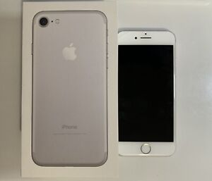 Apple iPhone 7 - 128GB - Silver (Unlocked) A1660 (CDMA   GSM)