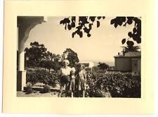 Enfants jardin maison - photo ancienne amateur an. 1940 50