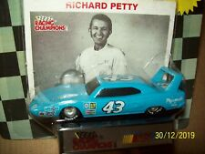 racing champions 1/64 Richard Petty Superbird