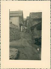 France, Saint-Véran, à l'intérieur du Village   Vintage silver print Ti