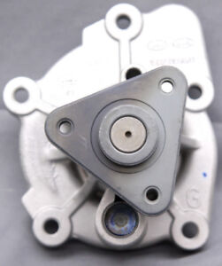 OEM Hyundai Tucson Coolant Pump 25110-2G510