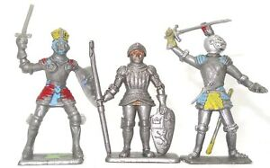CRESCENT TOYS 3 PIECES KNIGHTS OF THE ROUND TABLE