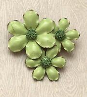 Lovely Vintage green flower  Brooch Pin
