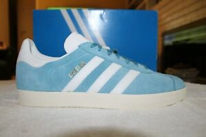 Gazelle - Adidas classic - Men's size 9.5 US - Carolina Blue - Rare color