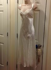 Ivy & Annabelle Intimates Size Medium Night Gown