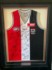 St Kilda Signed Framed Jumper 2006 - Autographed by entire team