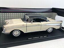 1:18 Motor Max American Classics 1957 Chevrolet Bel Air in CreamBlack