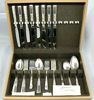 BEAUTIFUL 8 PLACE SETTING SILVER PLATE FLATWARE IN WOOD CASE