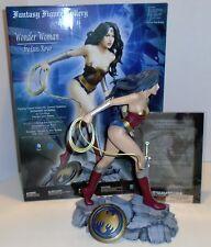 "DC COMICS ""WONDER WOMAN RESIN STATUE"" Fantasy Figure Gallery NEW IN BOX"