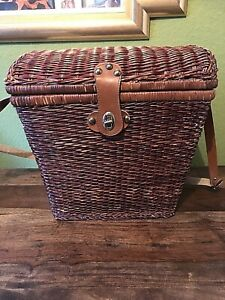 Vintage Style Wicker Picnic Hamper / Drinks Basket For Two People