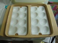 TUPPERWARE VINTAGE DEVILED EGG TRAY CARRIER KEEPER WITH LID & 2 EGG INSERT NICE!