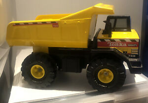Vintage Classic Large Tonka Mighty 768 Dump Truck Collectable