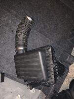 Chrysler 300C 3.5 Petrol Airbox Air Filter Box & Air Intake Pipe 2