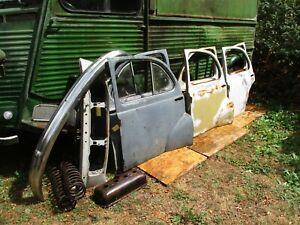 Lot des pièces Peugeot 203