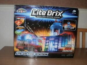 Lite Brix Super Light Building System - LIGHT UP FIRE STATION **COMPLETE**