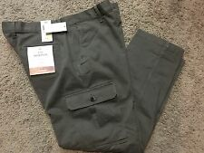 "NWT Men's Dockers ""The Broken In"" Athletic Fit Stretch Cargo Pants 34X30 MSRP$58"