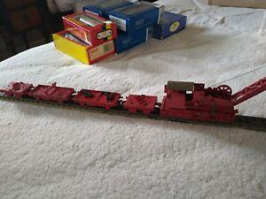 Hornby Dublo breakdown crane set (4620) with 4 Cars and Jacks. OO Gauge.