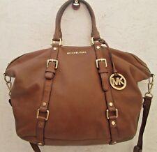 Authentique, magnifique  sac à main MICHAEL KORS  A4 cuir bag à sasir