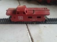 HO SCALE, AT&SF RED CABOOSE