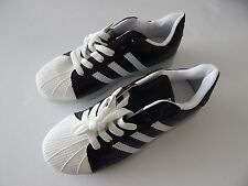 Universal Adult Teen LED Light Up Shoes 9 modes Black/White New
