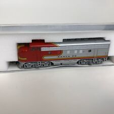 Kato 176-211 EMD F7 A Dual Headlight AT & SF N Scale Locomotive Train - New