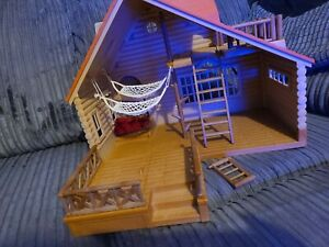 Sulvanian Families Log Cabin With Hot Tub