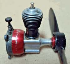 Cox Pee Wee .020 Glow Engine With Red Tank
