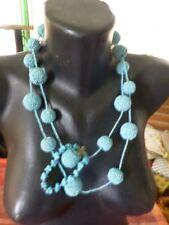 lot 2 belles piéces collier sautoir perles bleues émeraudes +bracelet assorti