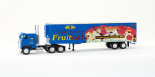 HO Candy Fruitcake Christmas Truck (4-001996)