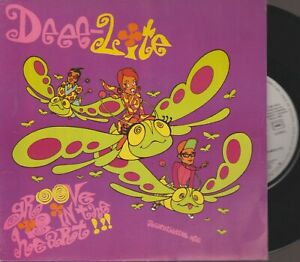 """Deee Lite Groove Is In The Heart 45T 7"""" 45 Tours SP France French Pressing"""