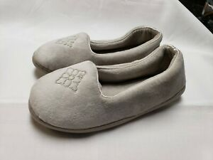 Dearfoams Light Grey Closed Back Slippers Women's Size 5-6