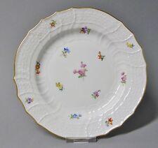 (G990)  Meissen Neubrandenstein Teller mit Streublumen, Goldrand, D= 18,5 cm