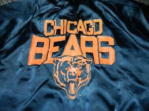 VINTAGE CHALK LINE CHICAGO BEARS SNAP FRONT SATIN JACKET in SIZE LARGE