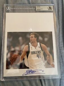 2020 Leaf basketball Dirk Nowitzki Auto slabbed 8x10 Beckett Certified