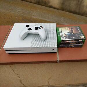 Xbox one  S + mando + 3 juegos