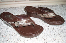 New~ITALI COLLECTION  Rhinestone Buckle Trim Patent Thong Sandals~Brown~Size 5.5