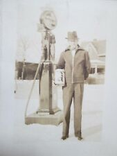 1930s WHITE FLASH Gas Pump Photo Xmas Card, Owner Holding Ashland Motor Oil Can