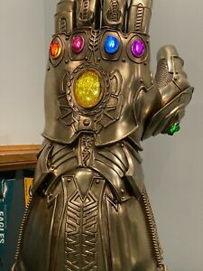 [MARVEL] Infinity Gauntlet Life-Size Masterpiece Collectible Prop by HOT TOYS