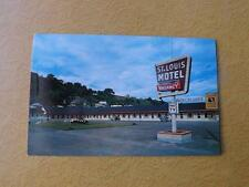 POSTCARD ST. LOUIS MOTEL STE ANNE DE BEAUPRE QUEBEC CANADA GLASSHEAT TV CARPET