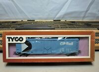 "TYCO 339D:300 HO Scale 50' Plug Door Boxcar ""CANADIAN PACIFIC RAIL"""